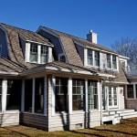 Gambrel Cottage: Home Exterior